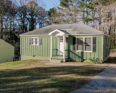 627 Seminole Pl, Marietta, GA 30062