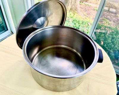 "EKCO FLINT Stainless Steel 6 Quart 2 Handle Stock Pot with lid 10.5"" w"