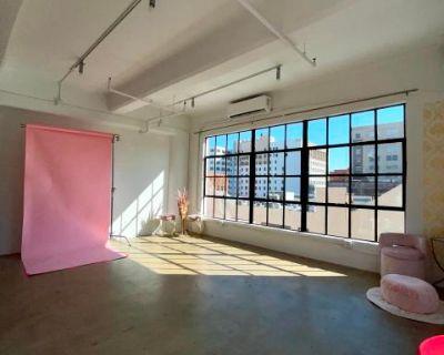 DTLA Studio With Amazing Natural Sunlight, Los Angeles, CA