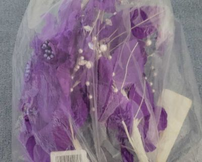 2 Purple Rose Picks with Pearl's- Lot 446