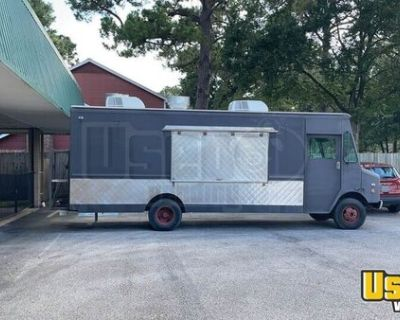 Grumman Olson Step Van Food Truck / All Stainless Steel Mobile Kitchen