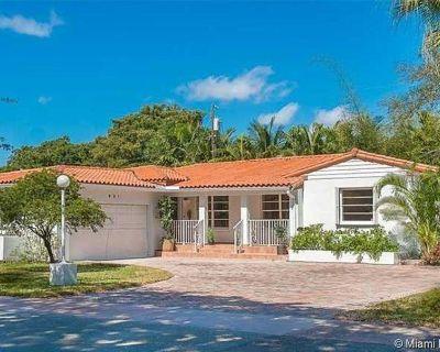 931 Placetas Ave Coral Gables FL 33146