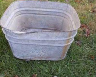 large square galvanized wash tub