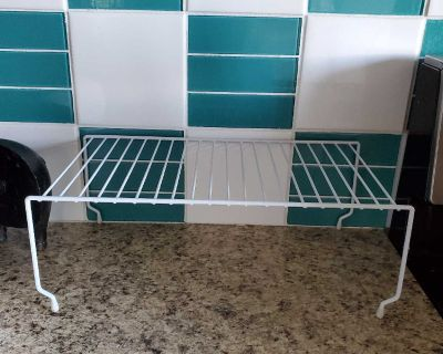 Wire rack for cupboard