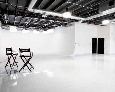 2,300 sq ft Luxury Studio 2 featuring 530 sq ft Pre-lit 3-Wall Cyc, Lush Lounge, Makeup and Hair Wash Stations and Central Heat & A/C, North Hollywood, CA