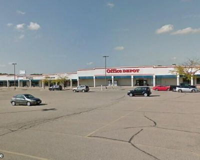High traffic Retail Space in Marketplace