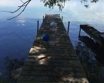 Cayuga Lake Charming Vintage Cottage on the Water with Private Dock - Seneca Falls