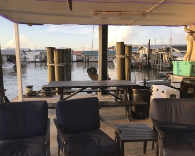 Grand Luxury Houseboat/Full Service Lodge in Venice Marina - Plaquemines Parish