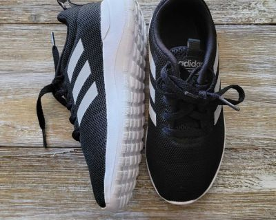 New Kids Adidas Shoes size 13