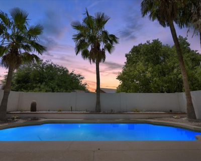 """All NEW Tropical Smart Home w/ Pool Grill 82""""TV - Chandler"""