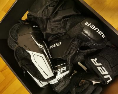 Bauer Youth Hockey Start kit. For age 7-9. Size L