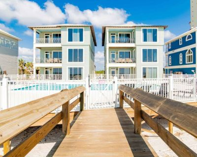 Private Beachfront Home with a Community Pool, Gas Grill, and Gulf Views - Orange Beach