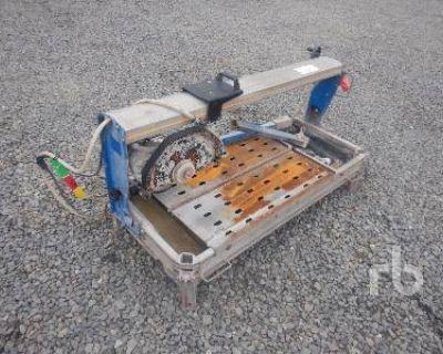 2010 CARAT TILE SAW TABLE Shop Equipment