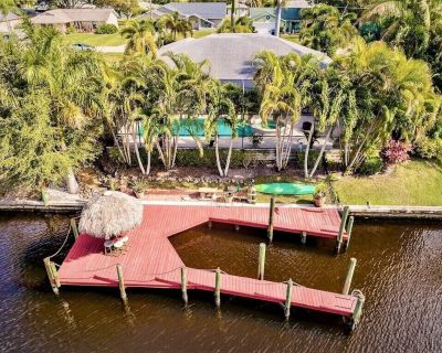 Wonderful Waterfront Pool Home in SW Cape Coral! - Pelican
