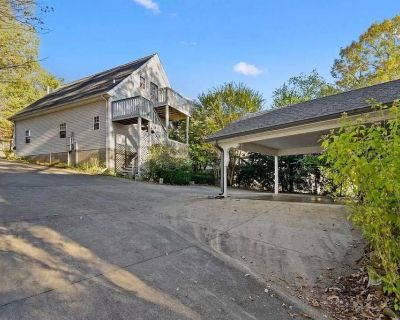 Lake Barkley Apartment with Stunning Views and Access to Water - Eddyville