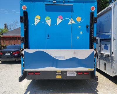 Hydraulic Slide Out Display Window Food Truck in Houston, TX