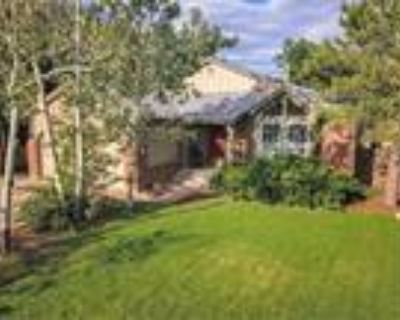 TRANQUIL KOI POND RETREAT IN THE CITY!, Colorado Springs, CO