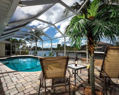 Fun for the Whole Family!! Pool Table, Heated Pool, Fishing Dock - Villa Serendipity - Cape Coral - Burnt Store