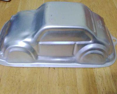 WILTON 3D CRUISER CAKE PAN
