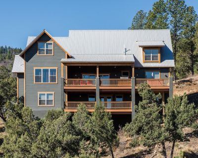 High in the mountains above Ruidoso, New Mexico is Abbey Lodge, a magnificent je - Ruidoso