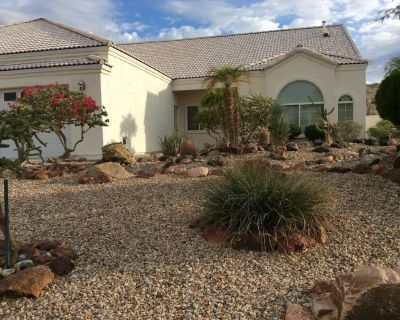 Beautiful Home-Great for Large Families- Den is 4th Bedroom w/Bunkbeds - Bullhead City