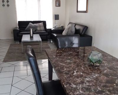 $925 2 townhouse in Central El Paso