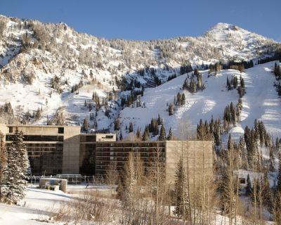 GREATEST SNOW ON EARTH - SKI IN/SKI OUT @ The Cliff: 3/6/2021 - 3/13/2021 - Salt Lake Mountain Resorts