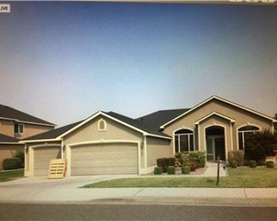 $2395 / 3br - 2500ft2