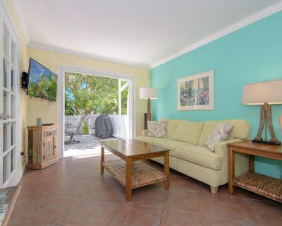 Craig & Cindy Key West Truman Annex Shipyard Condo With a Deck at Mile Marker 0! - Old Town Key West