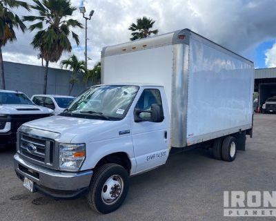 2016 Ford E-450 Econonline Super Duty 4x2 Cargo Truck