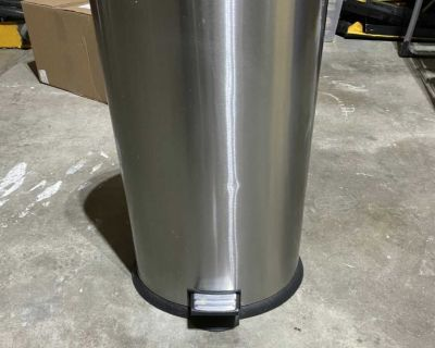 Tall kitchen garbage can with foot pedal