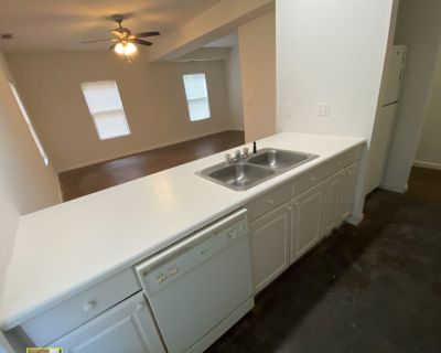 Looking for 1 roommate for a 6 person house