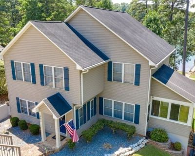 The Best Times await you at Lake Hartwell - Large lake house near Clemson - Townville