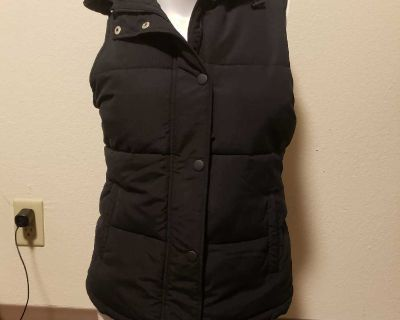 size MD vest with hood