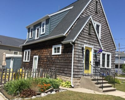 Charming Cape Cod Style Home - Blocks from Sandy Beach, Town, Bike Trail - Two Rivers