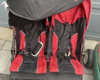 Stroller with shade cover, $20, pick up in Queensville or keswick