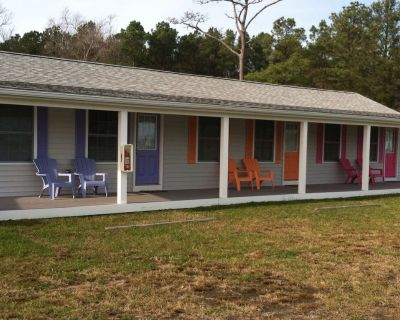 Waterfront Efficiency Bungalow w/ boat ramp, crabbing piers and access to OC - Ocean Pines
