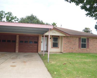 1118 E Lambuth Lane, Deer Park, TX 77536