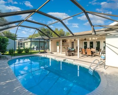 Dog-Friendly Home w/Free WiFi, Private Outdoor Heated Pool, Central A/C, Patio - Cape Coral