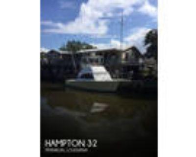 32 foot Hampton 32