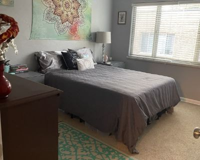 Huge Bright 2Bd 2Bth Condo! Needing a roomy!