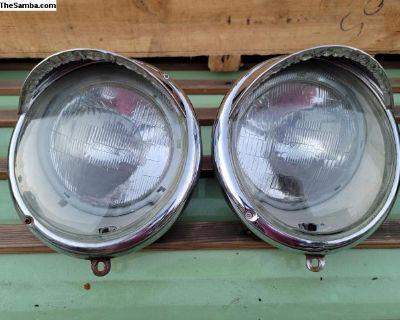 Bug headlights with eye lids