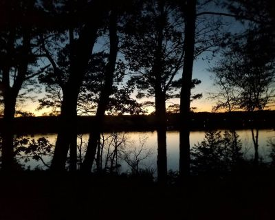 Luxury St. Croix River Home - Beach, Dock, Kayaks, Paddle Boards, Hot Tub... - North Hudson