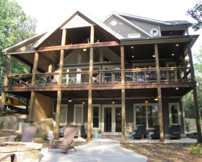 Waterfront Lodge 16 beds, private dock, designed for corporate/family gatherings - Hartwell