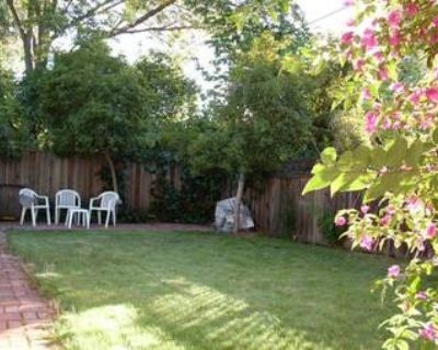 $890 Furnished private room in Palo Alto house for rent now.