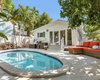 """""""SHELL YEAH"""" ~ 3 Bedroom, 2 Bath Retreat Centrally Located w/ Private Pool! - Key West Historic District"""