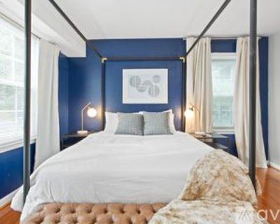 6919 Victoria Dr, Franconia, VA 22310 2 Bedroom Condo