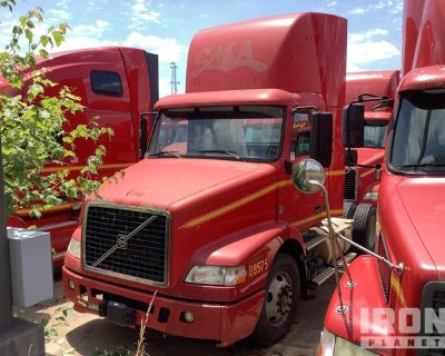 2008 Volvo VN VNM 4x2 S/A Day Cab Truck Tractor