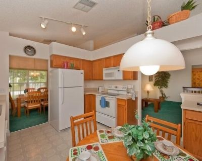 Urban 3 Bed 2.5 Bath Townhome - Perfect stay while exploring Orlando,Florida - Silver Creek