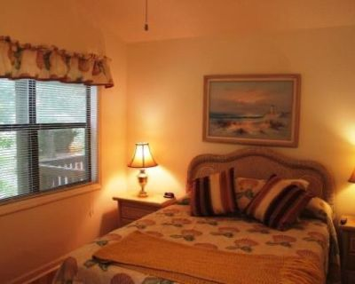 Roommate wanted in 3 bed, 2 bathroom condo